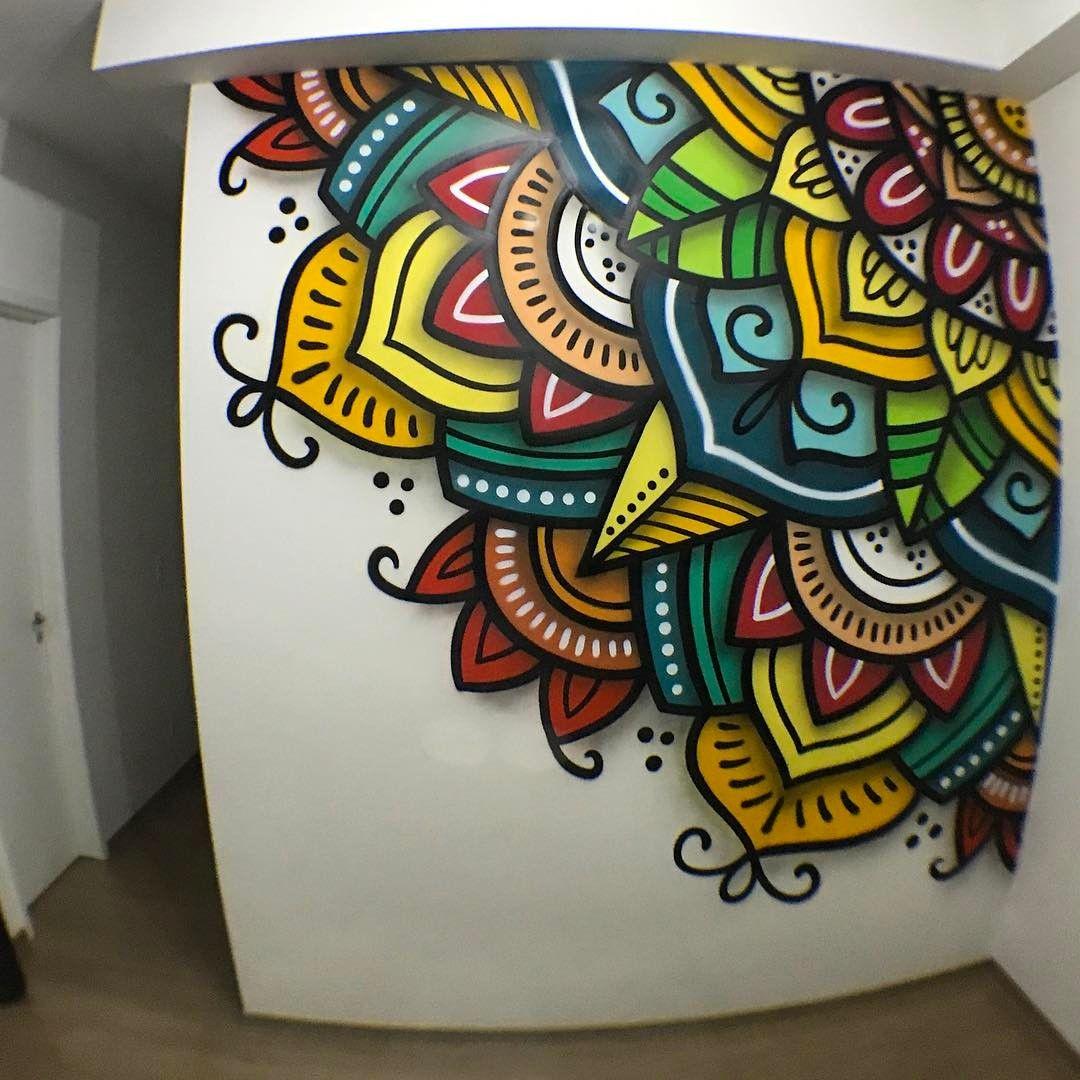 Creador danilo roots artista brasile o mandalas en pared - Pintar mural en pared ...