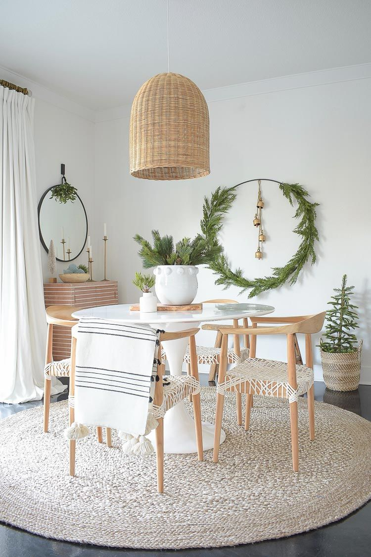 Photo of How To Make A Holiday Circle Wreath + A Christmas Dining Roo…