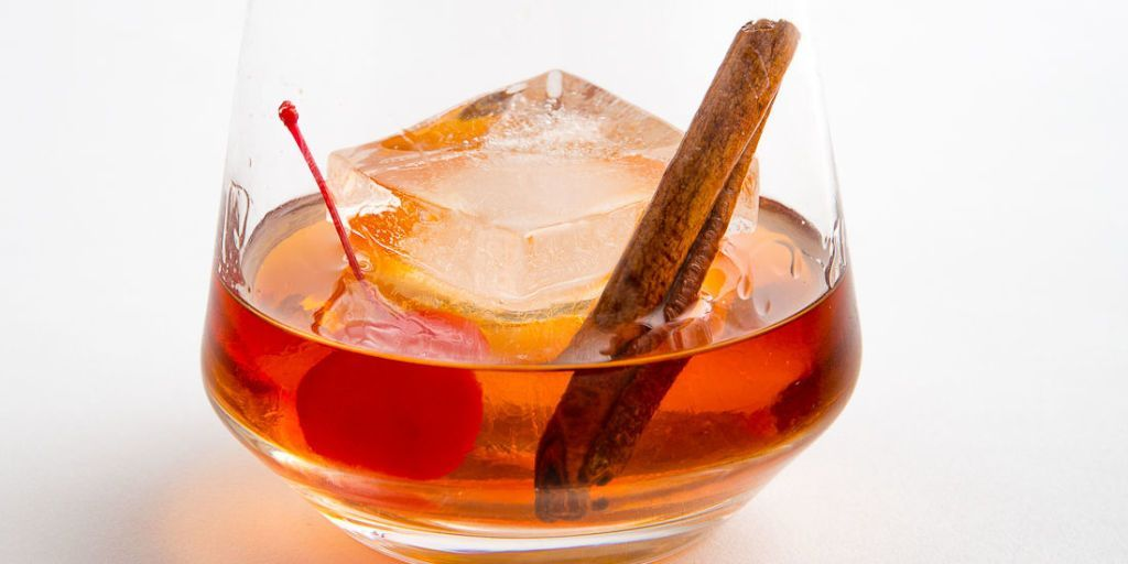 Maple Bourbon Old Fashioned Recipe Bourbon Old Fashioned Whiskey Cocktails Cocktail Recipes Whiskey