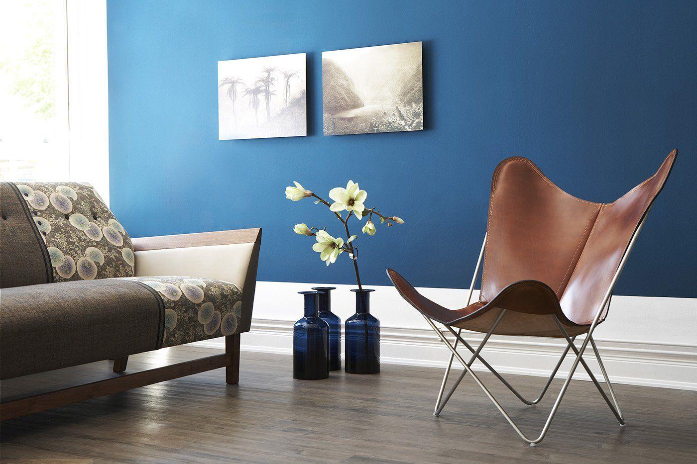 Salon design bleu intense - Ripolin | Peinture salon, Couleur salon, Deco maison design