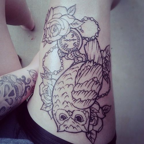 Pin By Christine Jarmer On Tats I Like: I Wanted Something Like This To Go Under My Thigh Piece