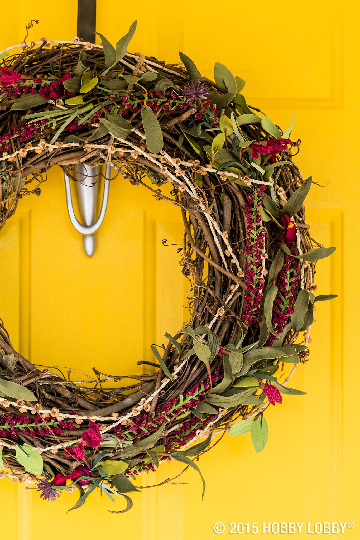 Grapevine Wreaths With Their Quick Change Capabilities Are Ideal For Seasonal Decor When The Air Gets Crisp Tuck In A Few Faux Diy Wreath Crafts Fall Wreaths