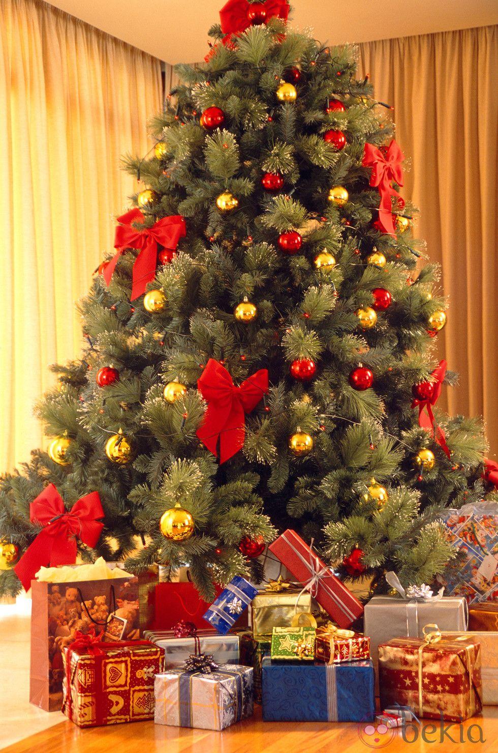 Arboles de navidad decorados con cintas buscar con - Arboles decorados ...