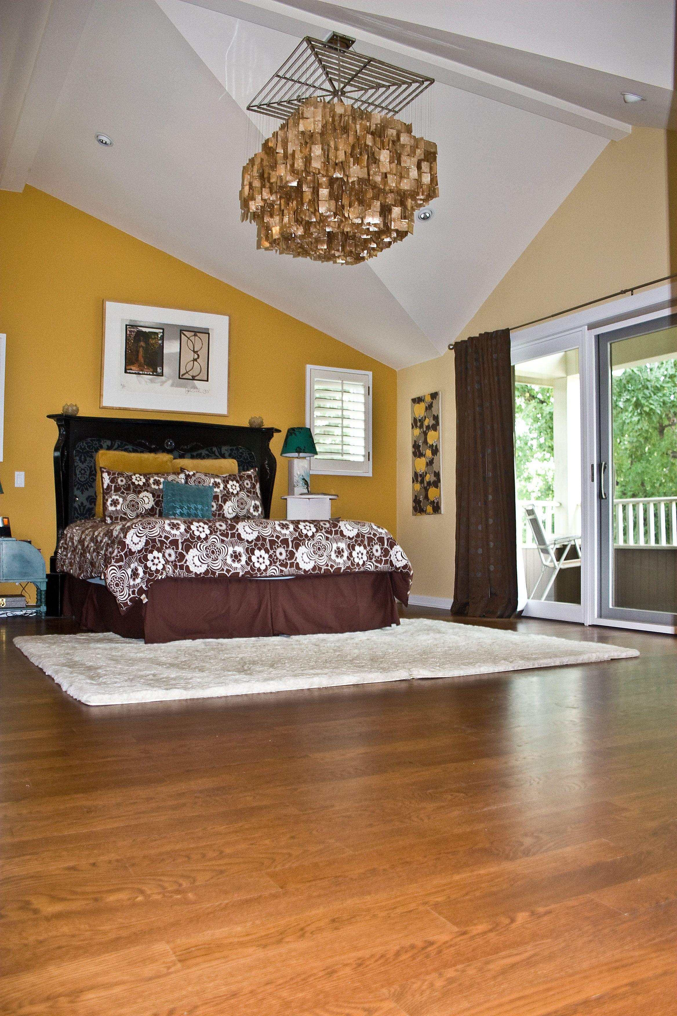 Red Oak Flooring Adds To This Fun Bedroom Decor Red Oak Floors Awesome Bedrooms Oak Floors