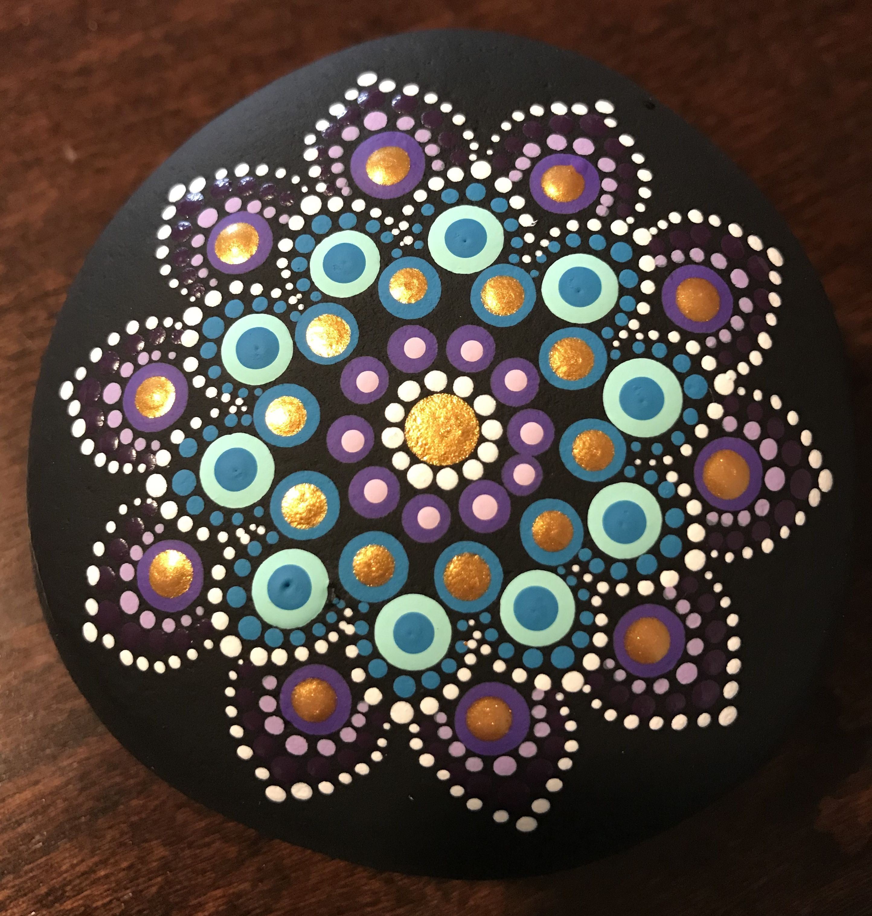 Stein Fliesen Bemalen Metallic Dot Painted Mandala Rock By Rachel Puntillismo