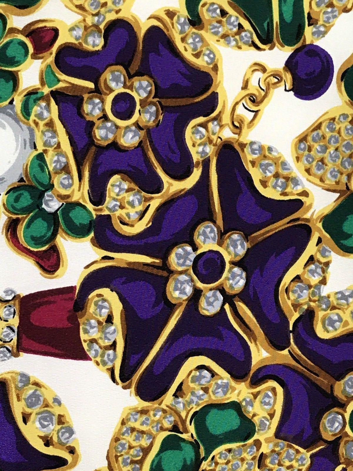 25299e9077a1 CHANEL Tuch Seide foulard scarf Stola stole silk soie carre geant Jewels  Schmuck   eBay