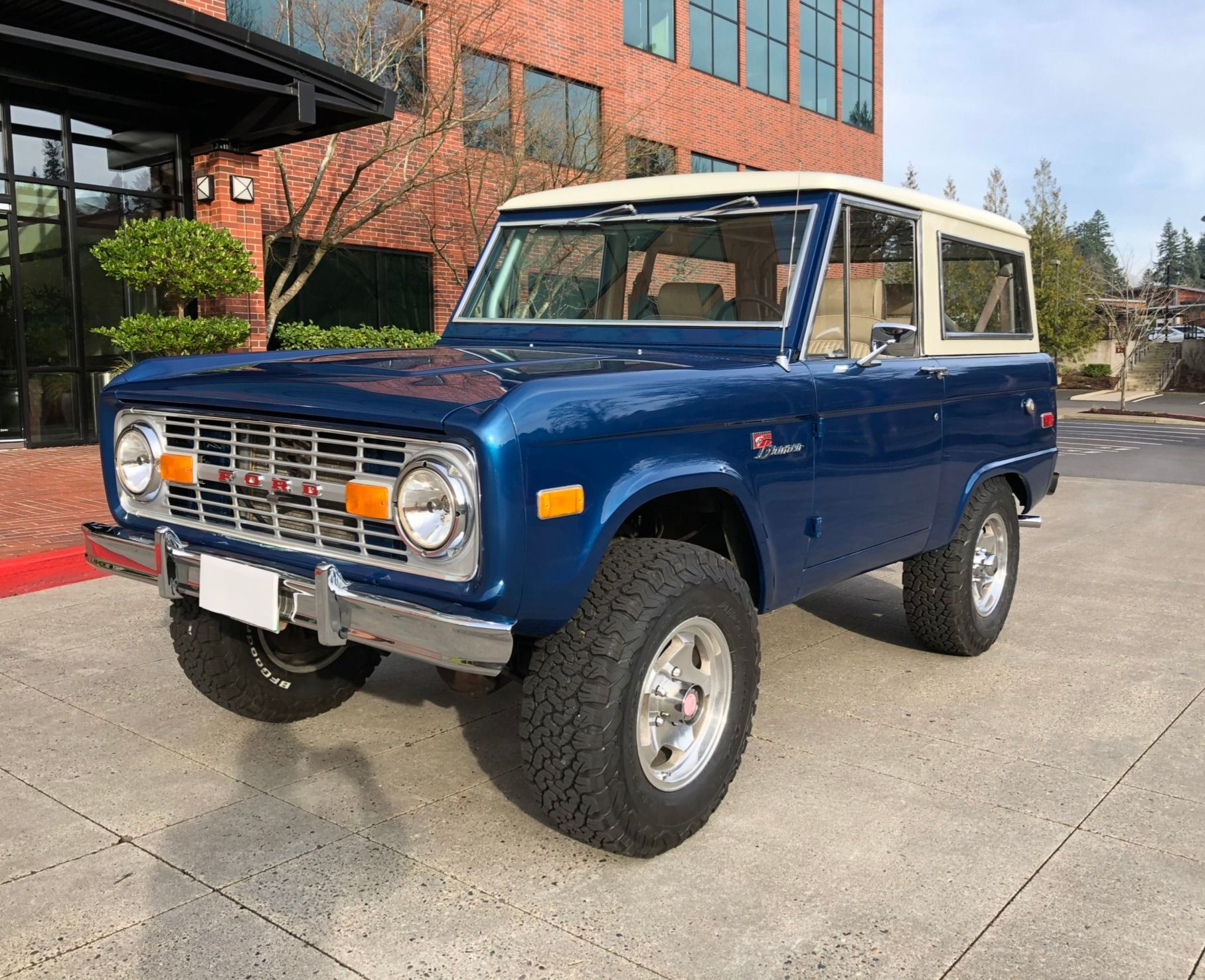 1976 Ford Bronco Sport 5Speed Ford bronco, Bronco