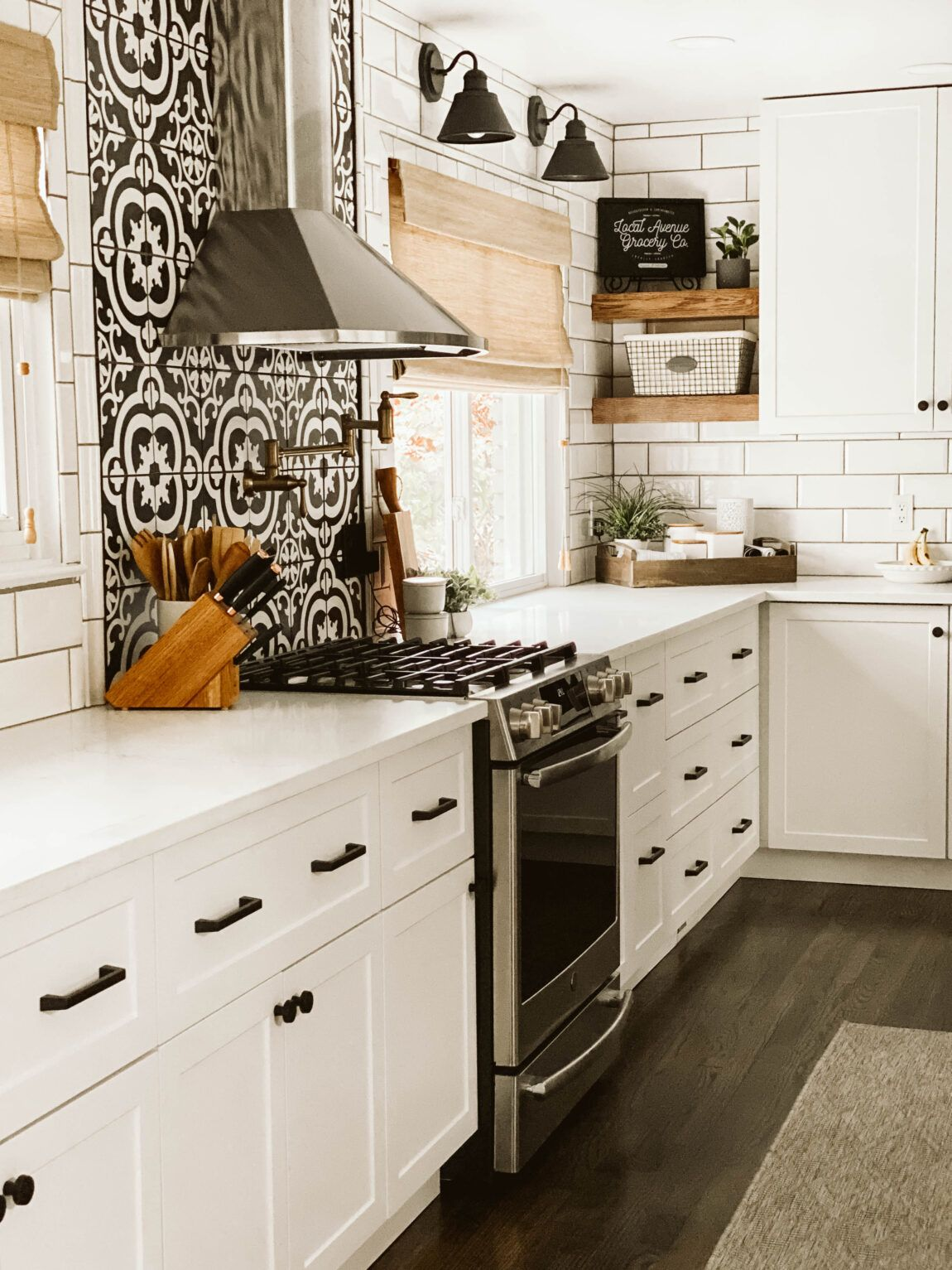 MODERN FARMHOUSE KITCHEN REVEAL // CRESTWOOD + MCKINLEY - CLARK + ALDINE
