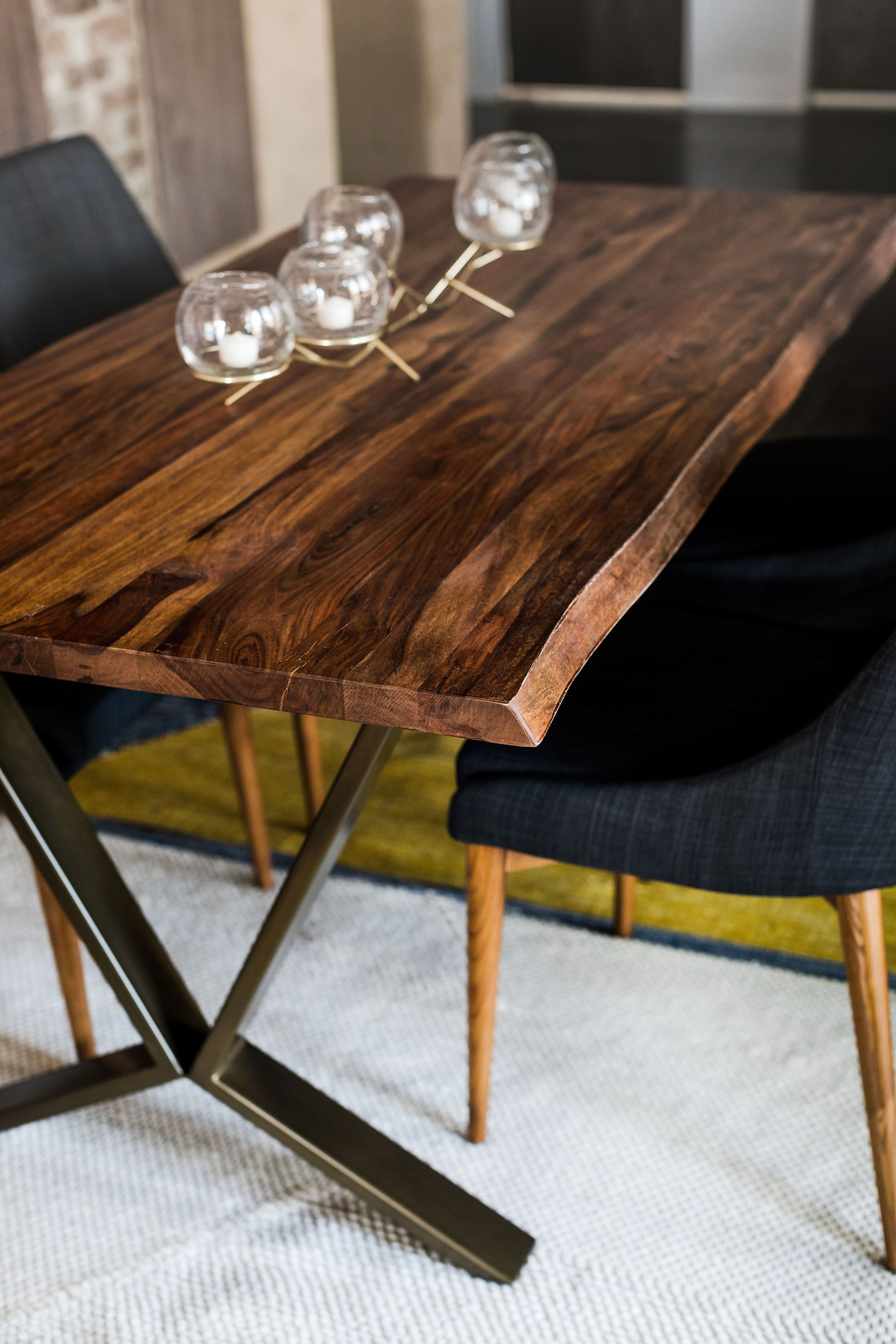 The Zoe Live Edge Table Is A Pure Work Of Art Built From The Sustainable Fast Growing Hardy Rosewood Tree Native To The Indian Subcontinent This Rectangular [ 3500 x 2333 Pixel ]