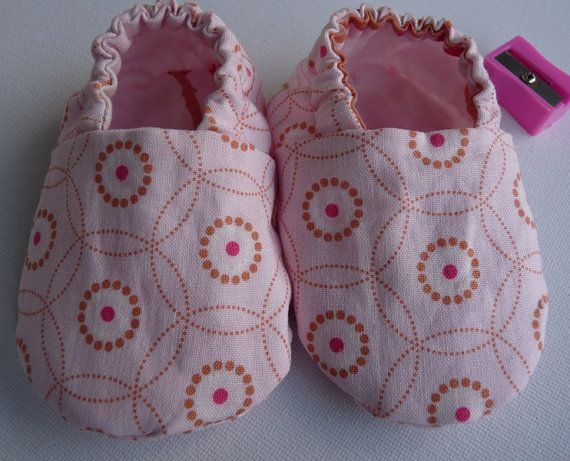 Pink baby girl reversible cloth shoes 3-6 months