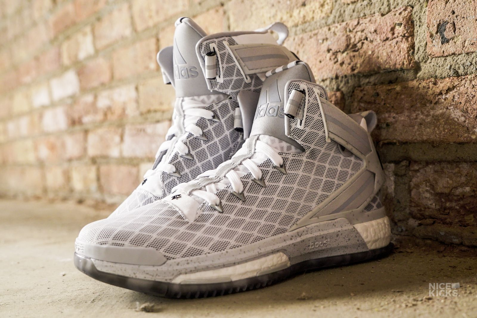 Exclusive // A Detailed Look at the adidas D Rose 6