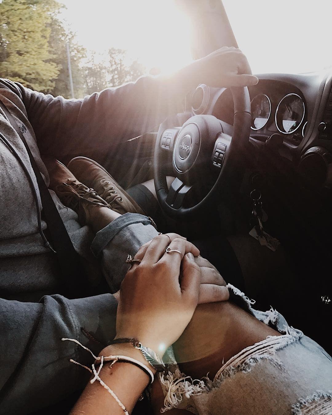 картинки мужская и женская руки в машине картинка помогая старшенькой