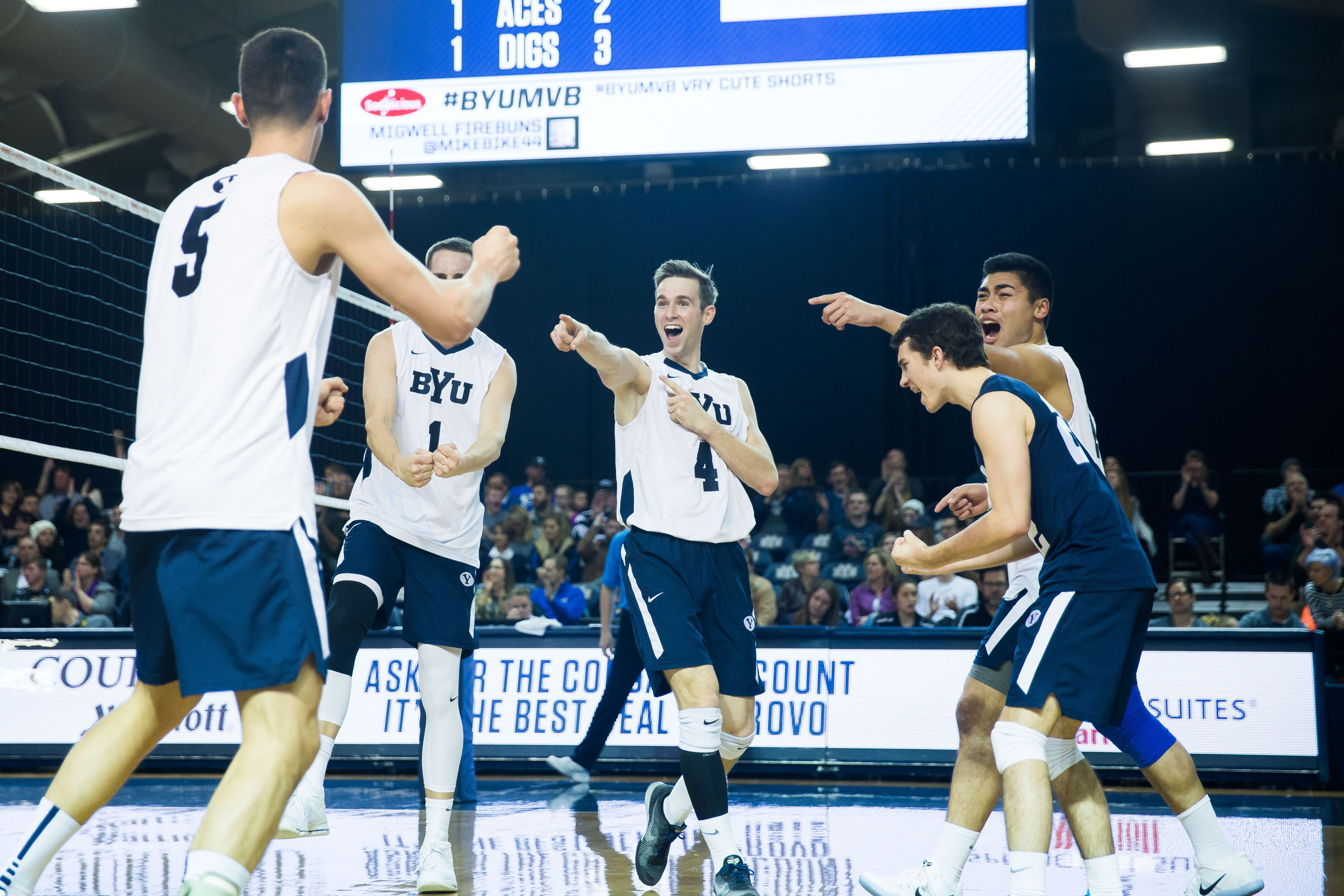 Byu Men S Volleyball Preparing For Big 2017 Season The Daily Universe Mens Volleyball Byu Sports Byu