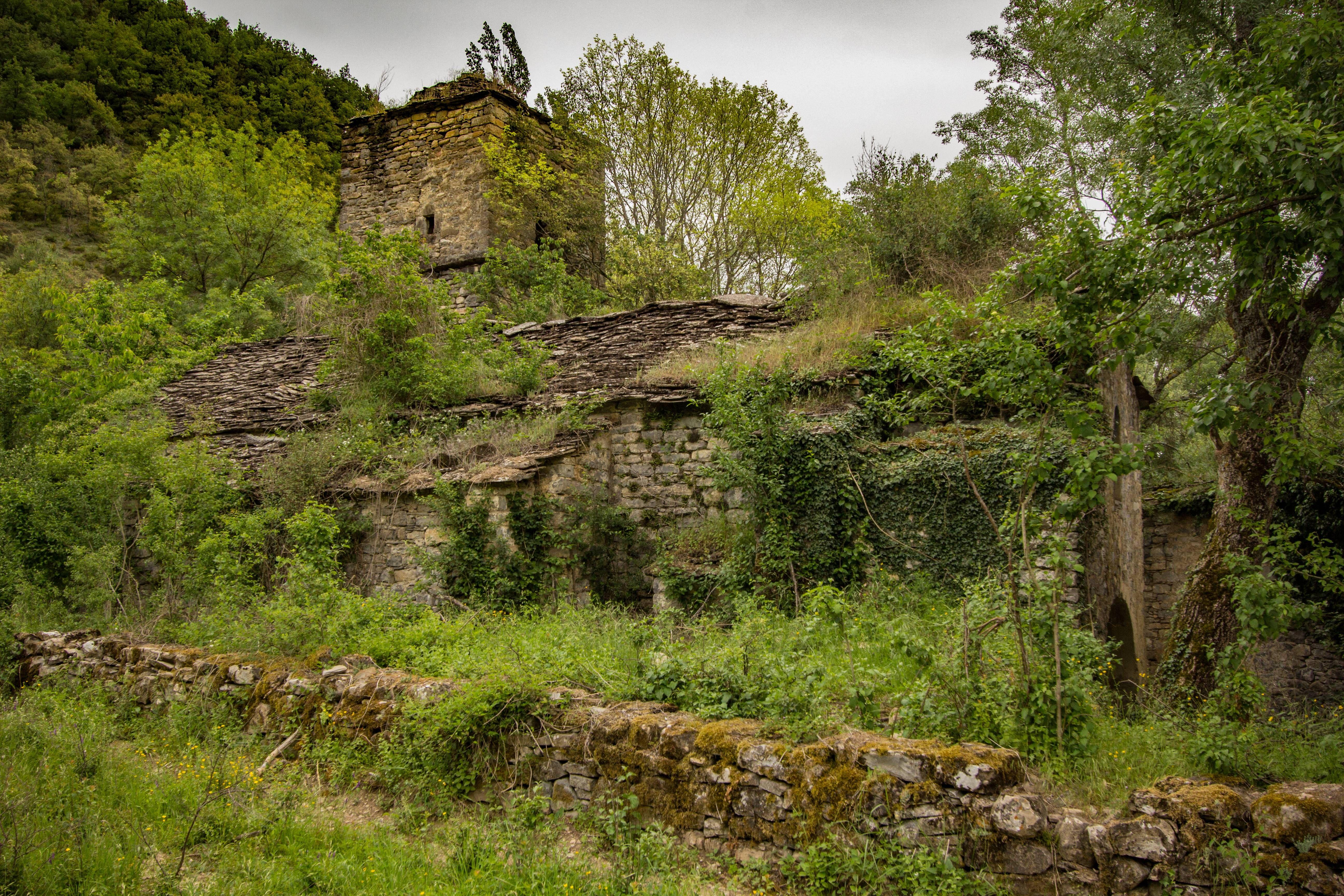 Abandoned village in spain 5184 3456oc