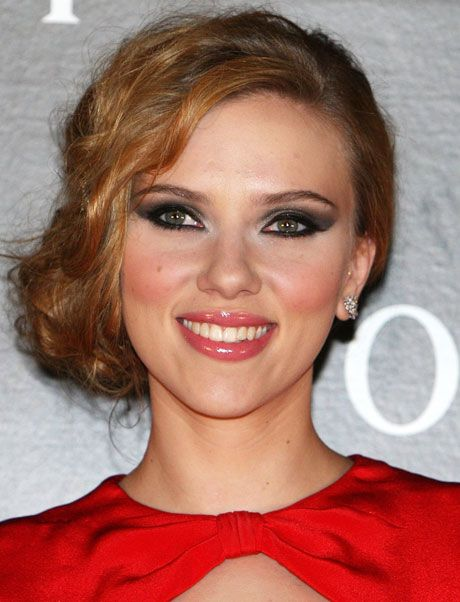 Make Up Red Dress Makeup Celebrity Makeup Black Tie Hairstyle