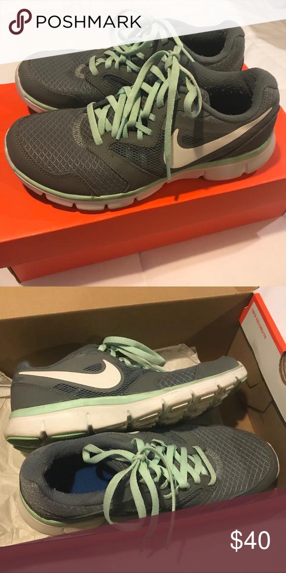 Women s Nike Sneakers Women s size 6.5 Barely used 11e729b71
