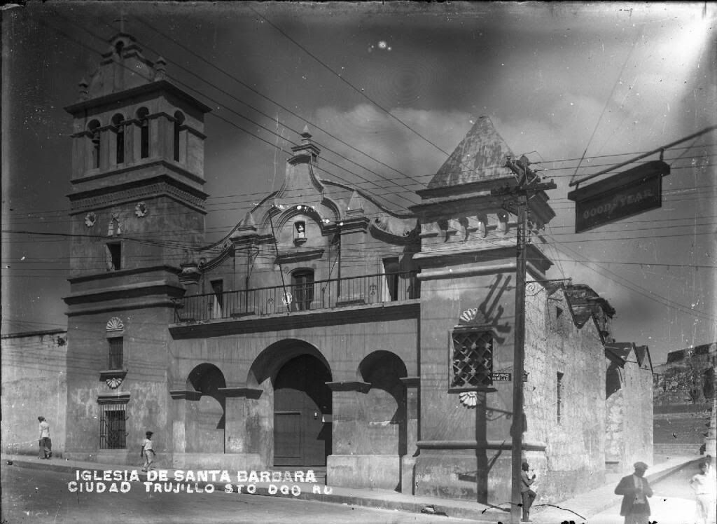 Iglesia Santa Bárbara. 1950...