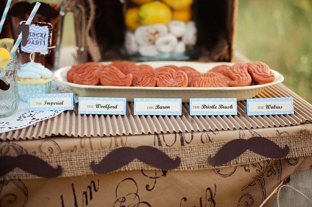 Funny mustache cookies #mustache #cookies