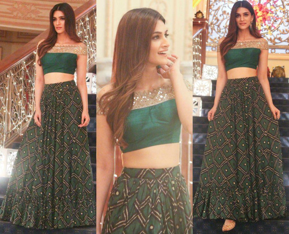 a5ddbfea7b Kriti Sanon in a Long Skirt and Crop Top   Women's Fashion   Indian ...