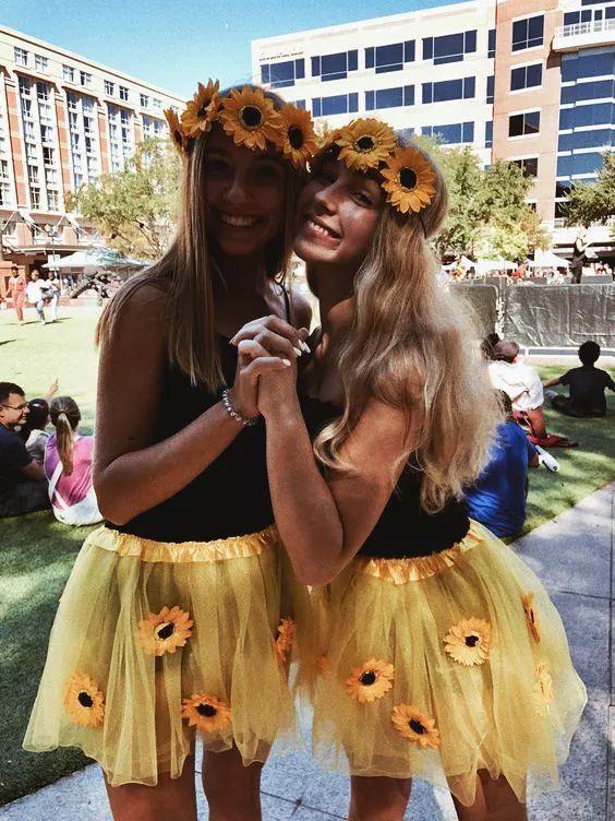 Beste Halloween-Kostüme für BFFs im Jahr 2019, so dass Sie Ihre Freundschaft wie nie zuvor feiern - Pinterest #halloweencostumes