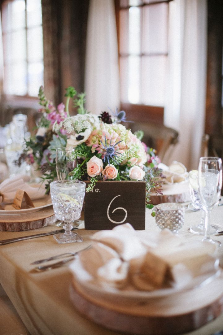 Wedding reception table decorations | fabmood.com #wedding #rusticwedding #weddingstyle #ido #weddinginspiration
