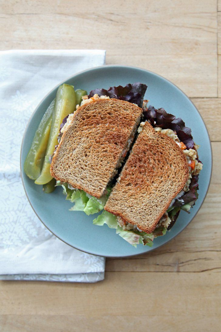 Pin for Later: 23 Inspired Ways to Put Thanksgiving Leftovers to Good Use Ross's Moist Maker Sandwich From Friends The Thanksgiving leftovers: turkey, stuffing, cranberry sauce, and gravy  What to do with them: Ross's moist maker sandwich from Friends
