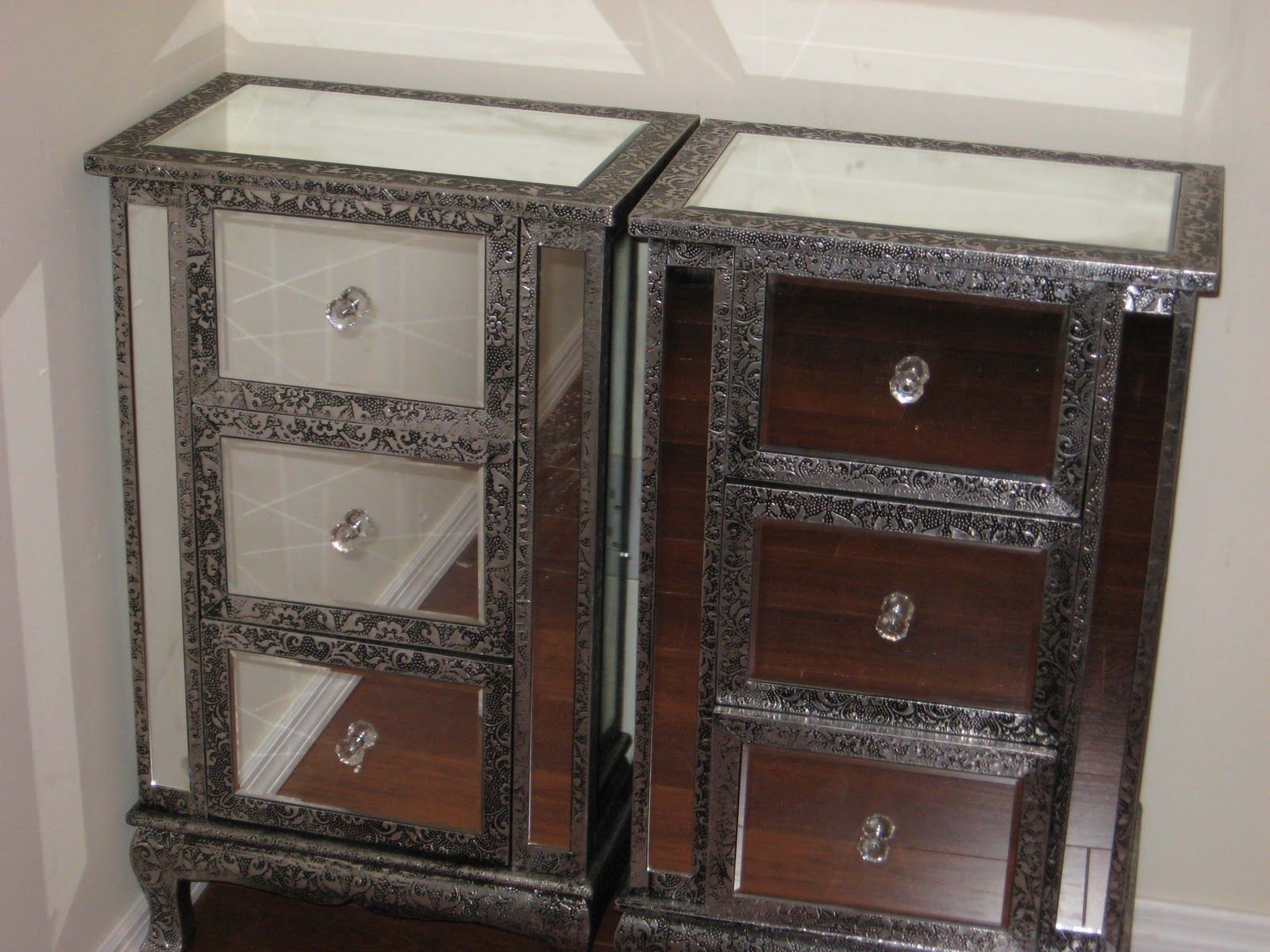 Make Your Bedroom Looks Different With Mirrored Nightstand: Luxury Mirrored  Nightstand With Glass Knob Handle