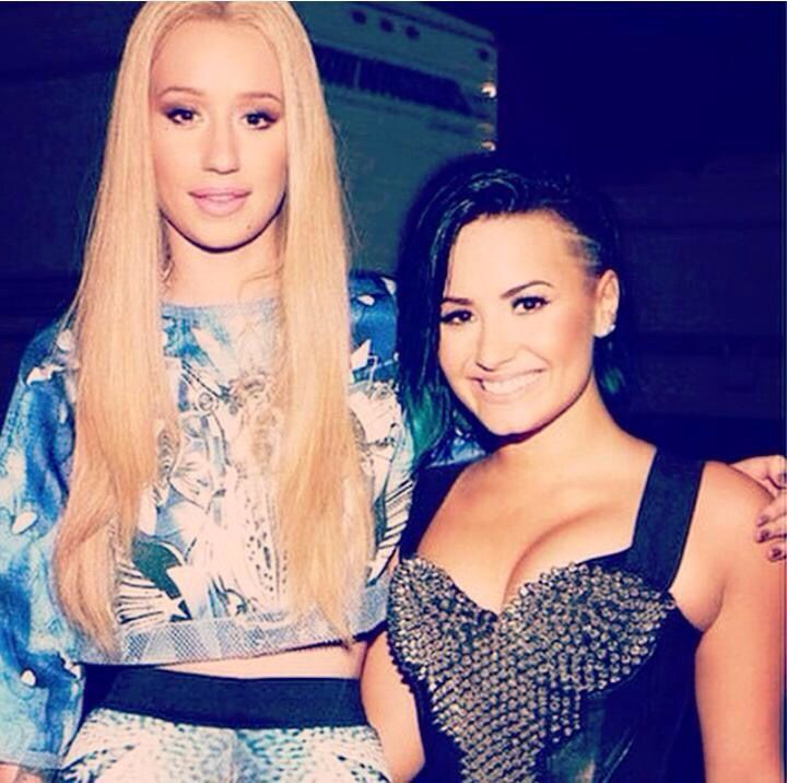 Demi Lovato with Iggy Azalea at the vevo certified super fan fest