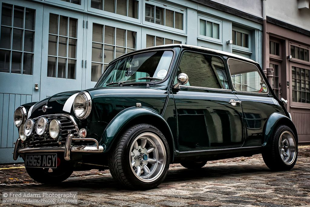 Mini Chic Mini cooper classic, Mini cars, Classic cars