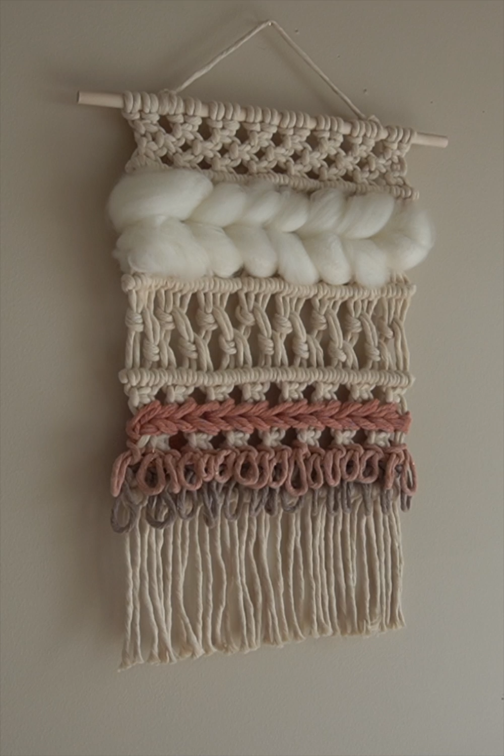 It's that time of the month again for our #makingmacrame ebook pattern. Today, we will go over some weaving techniques you can incorporate into your macrame pieces. Macrame + weaving is macraweaving. It's another form of a macrame knotting technique. This pattern consists of 3 basic macrame knots (Lark's Head, Square knot and Clove Hitch) and 2 weaving techniques (Soumak weave and Rya Loop knot).   #handweave #macrameweaveknot #howtoweavetapestry #weavingtechniques #macramepattern #weavepattern