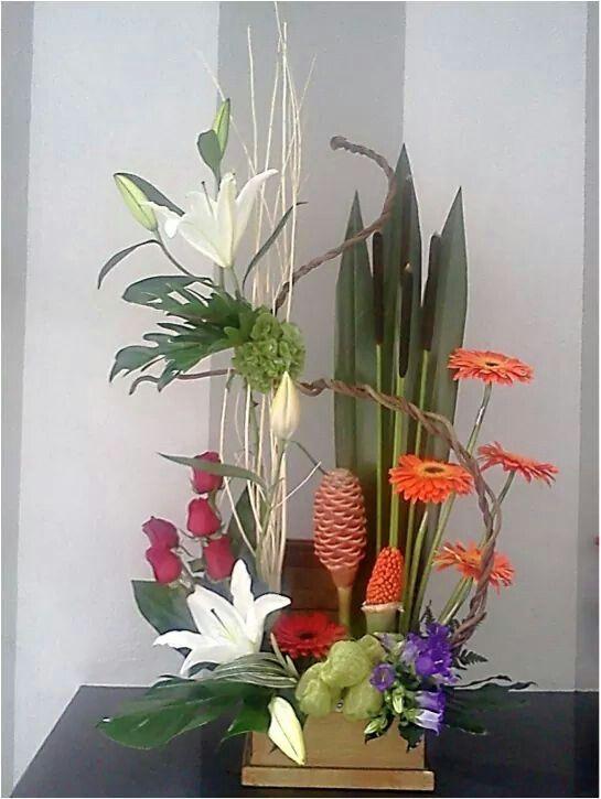 Arreglo Floral Con Flores Tropicales Tropical Floral