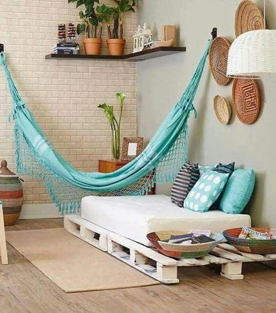 Sillones de palets espacios pinterest decor home for Sillones para apartamentos pequenos