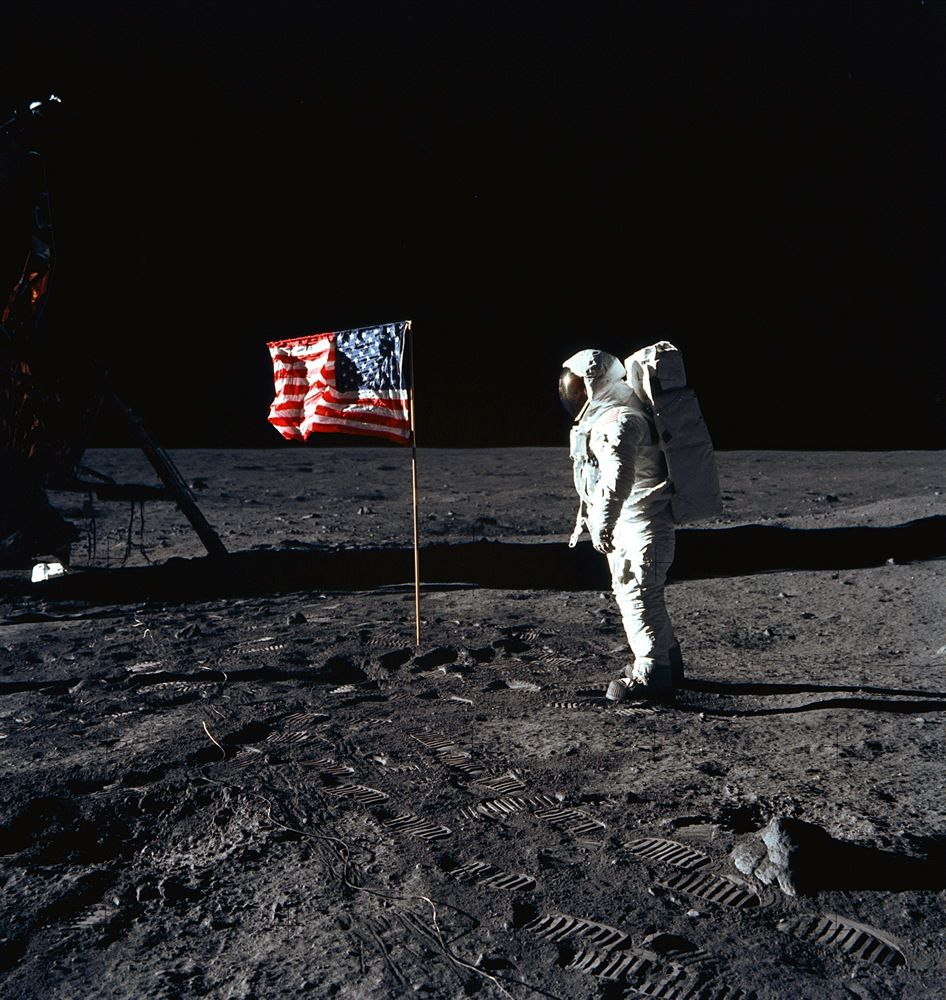 apollo the first space flights to the moon - photo #21