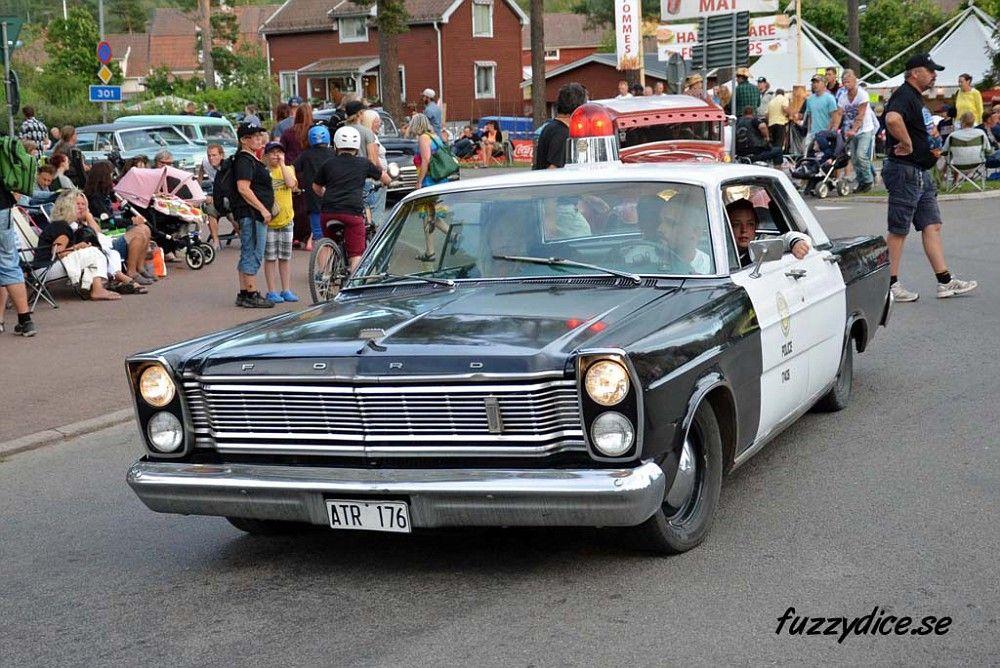 Police Cars http://www.fuzzydice.se/