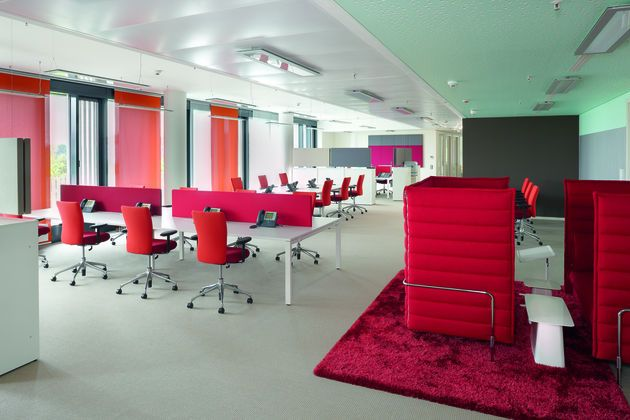 Red is definitely the dominant colour in the accenture for Accenture london office