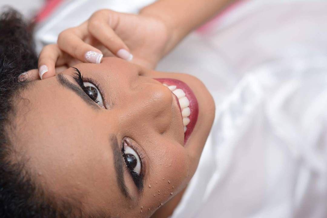Meu coração não se aguenta quando vê uma produção arrasadora como essa. A @elaine_aguiar arrasou mais uma vez na maquiagem e no penteado dessa noiva! Ela realça a sua beleza natural e te deixa ainda mais linda para o grande dia. . Veja mais no Instagram @elaine_aguiar . Contato  whatsapp (21) 96419-5326 ou contato@elaineaguiar.com.br . #elaineaguiarmakeup #divas #makeupartist #instabeauty #maquiadoraprofissional #makehair #maquiagemdanoiva #makeupbride #penteado #makeupforever #guiaceub…