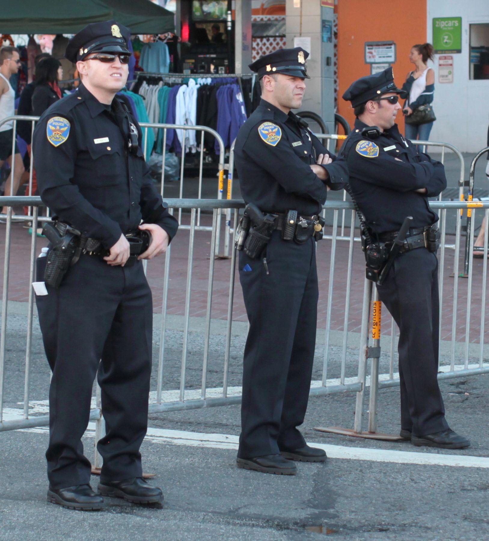 San Francisco Police Department Wikipedia The Free Encyclopedia Men In Uniform Police Uniforms Police