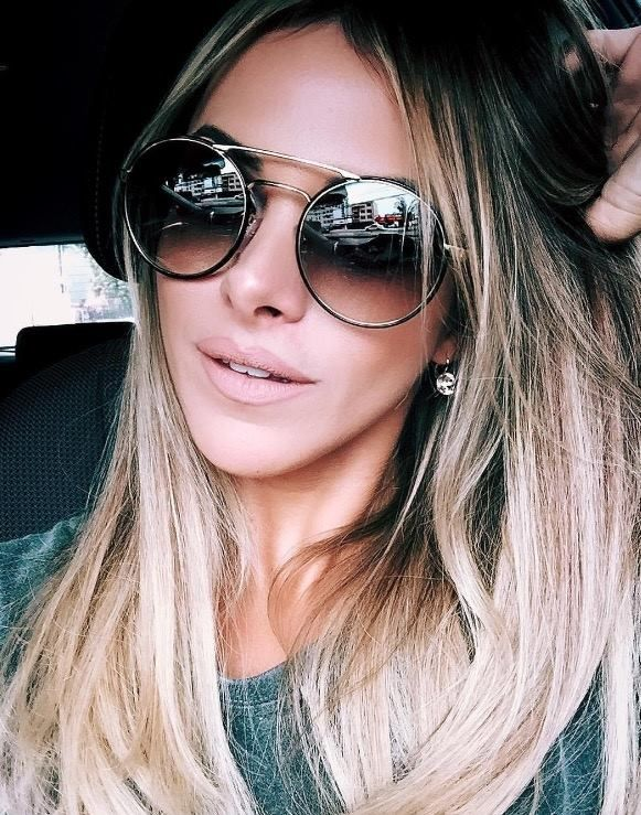 68857692d Linda da @nandaportella arrasando de Prada 51SS 👏🏼👏🏼 #oticaswanny Oculos  De