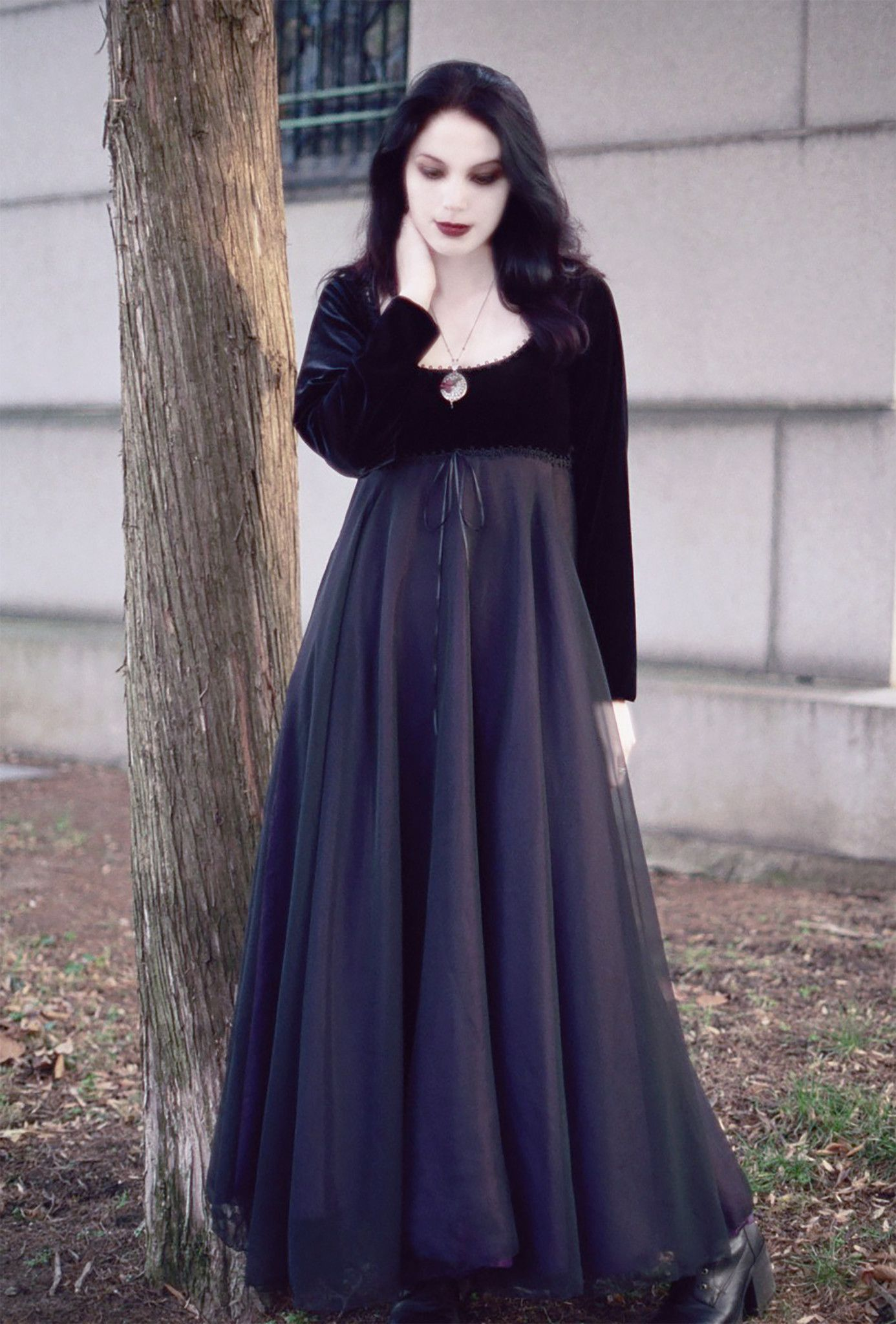 Coriandre Romantic Gothic Wedding Dress | Rose Mortem Shades of ...