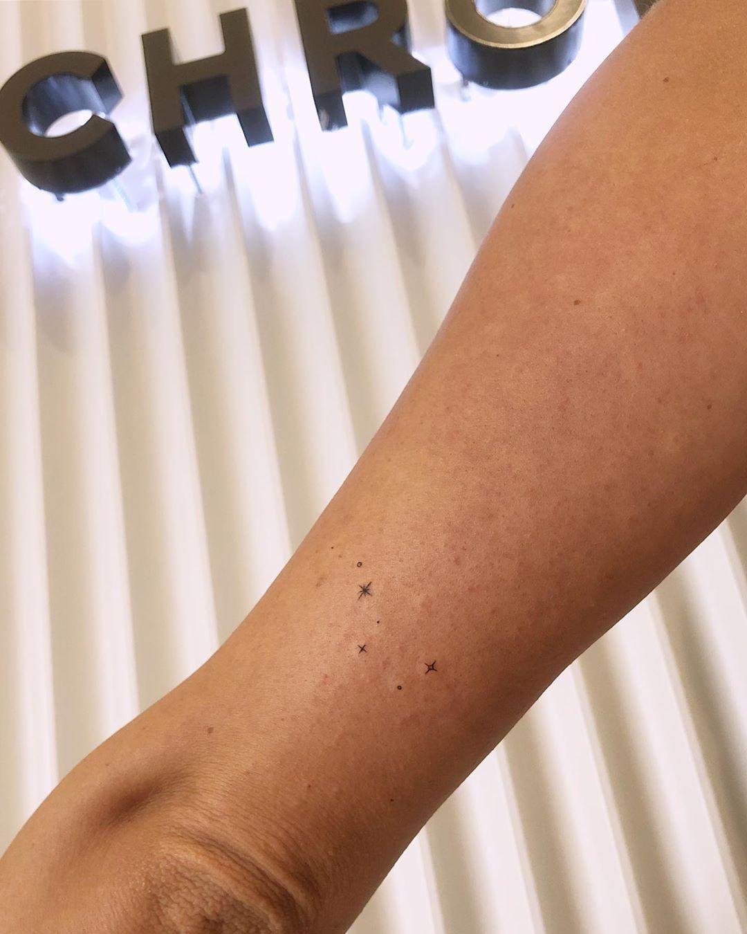 Big dipper by joannamroman em 2020 tatoo bracelete