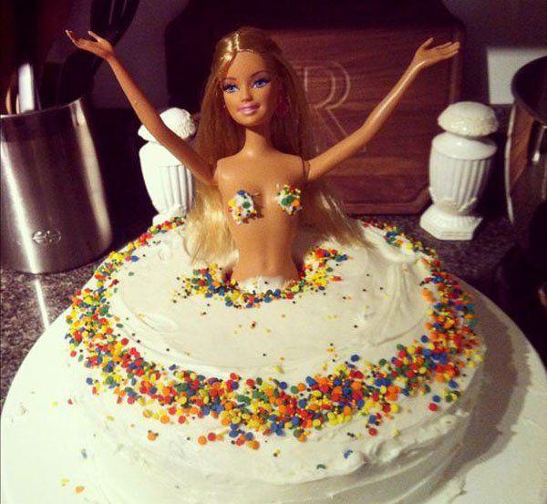 Brilliant 21 Of The Funniest 21St Birthday Cakes Ever Funny Birthday Personalised Birthday Cards Veneteletsinfo