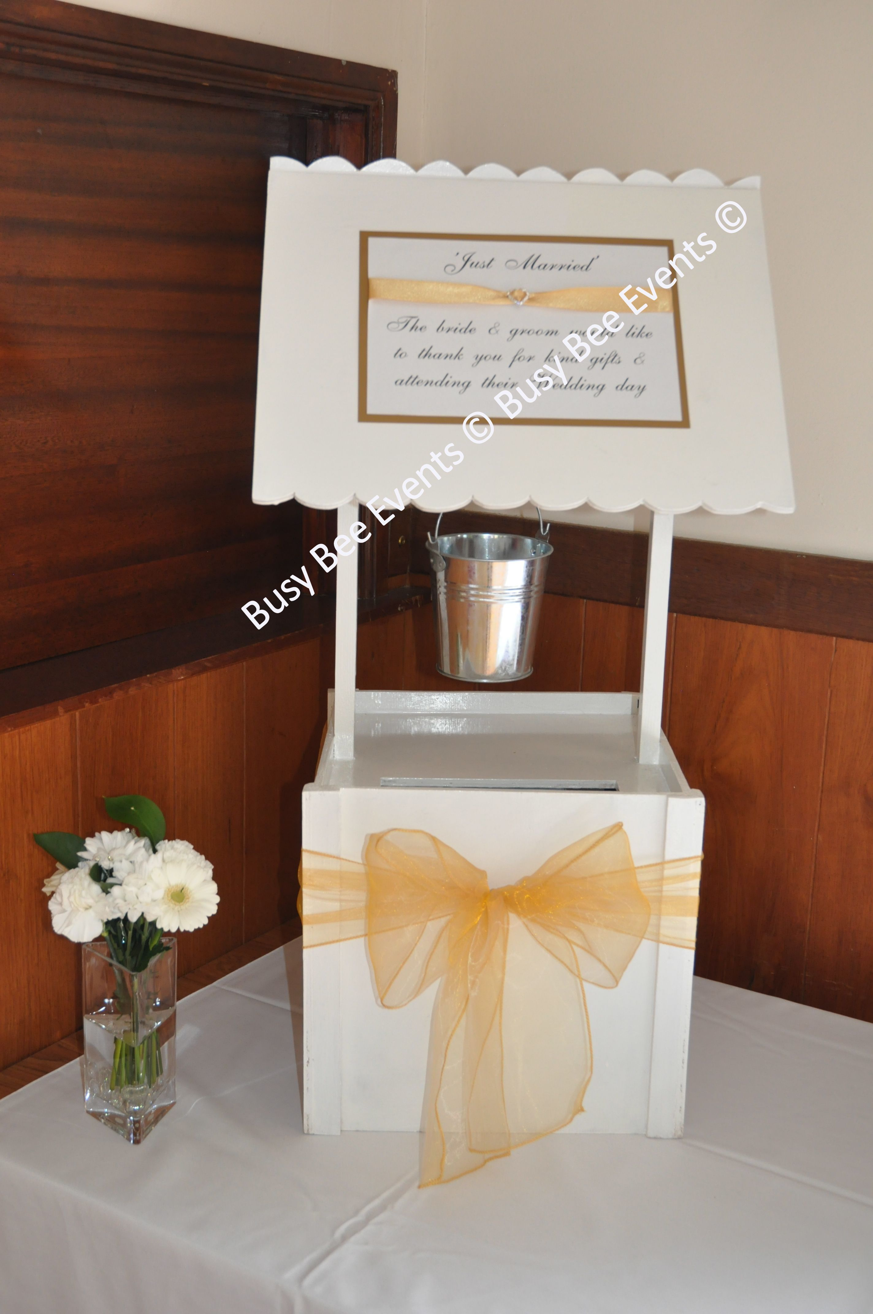 Wishing Well For Cards Lockable And Available In White With Silver Bucket Ivory Gold