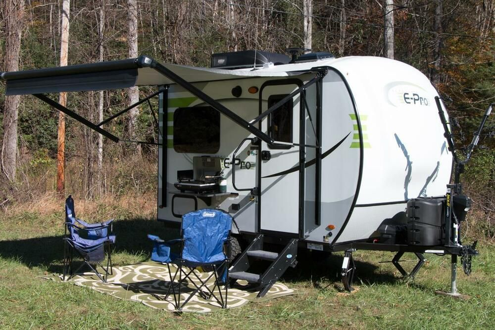 This little rv is in absolute great condition and has only