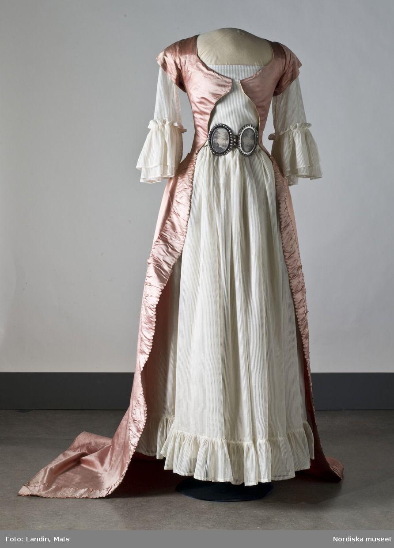 bvintage klänningar stockholm