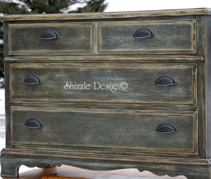 a little bit o' Shizzle: Rich Old World Patina on ASCP Painted Chest of Drawers
