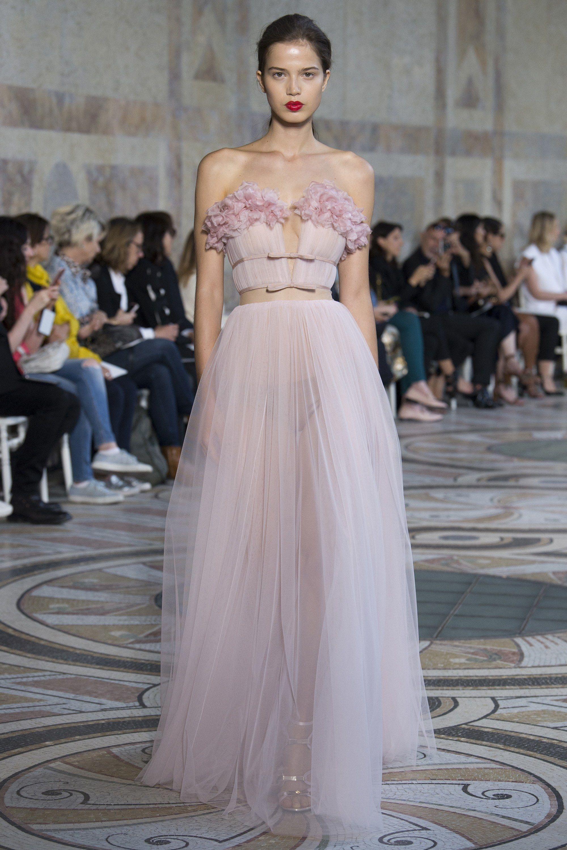 319db07c3e1 Giambattista Valli Fall 2017 Couture Collection - Vogue
