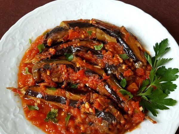 Auberginensalat auf türkischer Art – Patlıcan Çığırtma - Türkische Rezepte #levanteküche