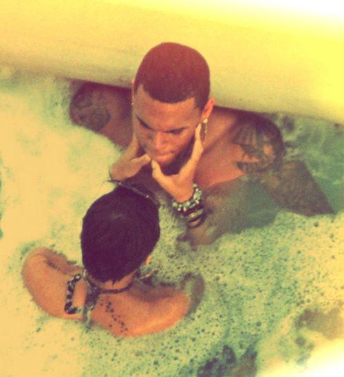 Rihanna : « J'aime toujours Chris Brown »