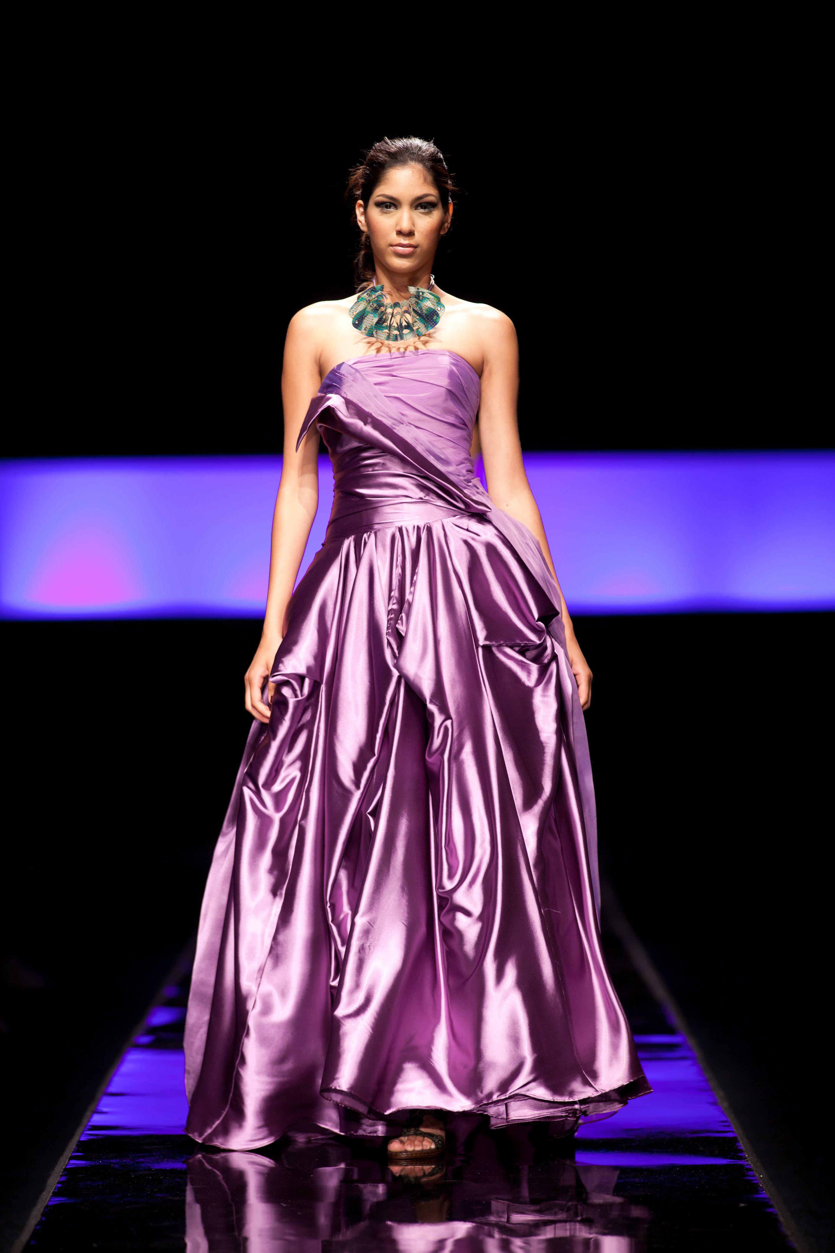 Lujo Trajes De Novia Austin Tx Galería - Vestido de Novia Para Las ...