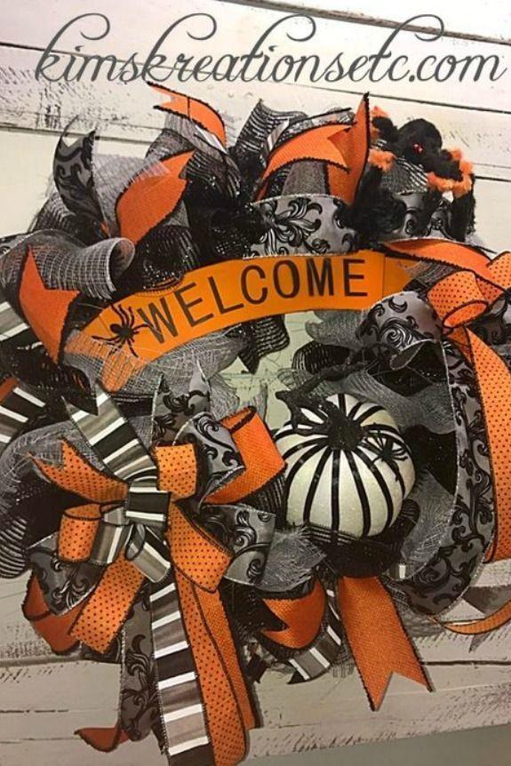 2018 September Wreath Creations from the Trendy Tree Custom Designer